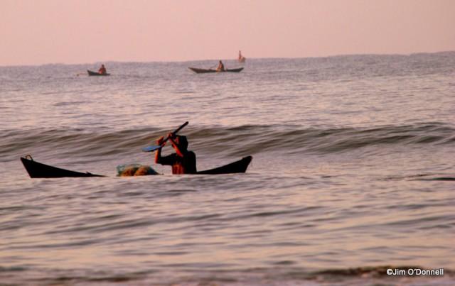 DSC 0139 e1326514112940 Muslims in India   Fishermen Return at Dawn