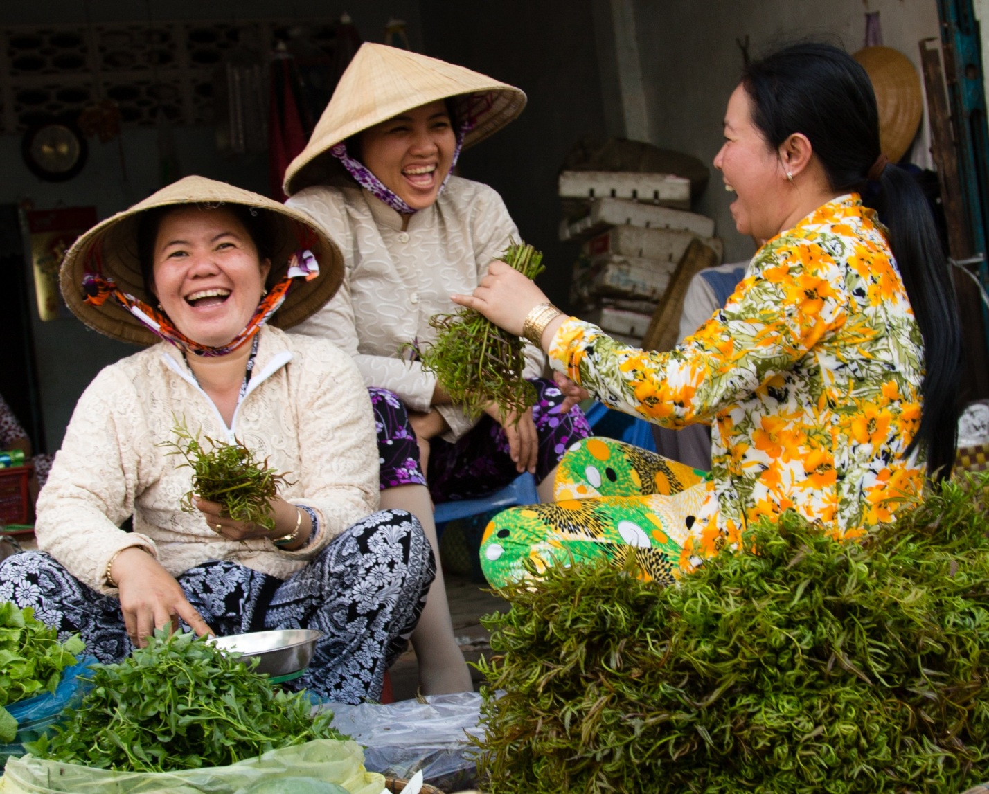 Laughing Market Traders Travel Indochina The Ancient City of Hoi An   Travel to Vietnam