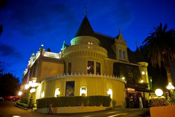 HT_magic_castle_night_jef_140917_3x2_1600